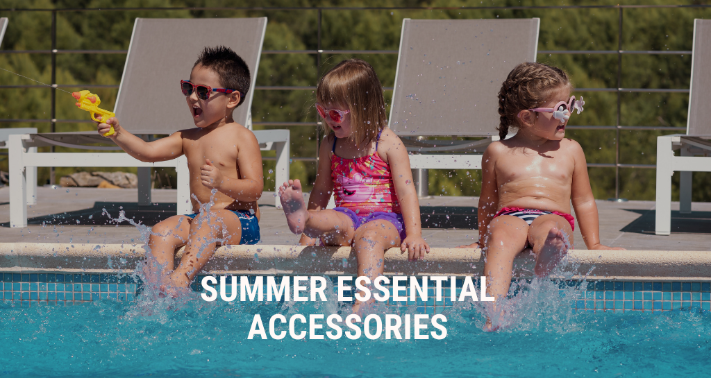 Summer essential accessories that can't be missing in your store. Discover them!